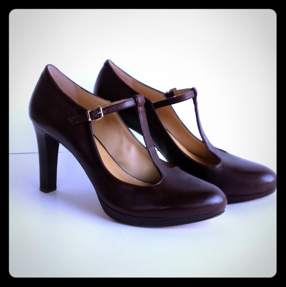 662afe72d04 ANTONIO MELANI Shoes - Antonio Melani Brown T-Strap Heels
